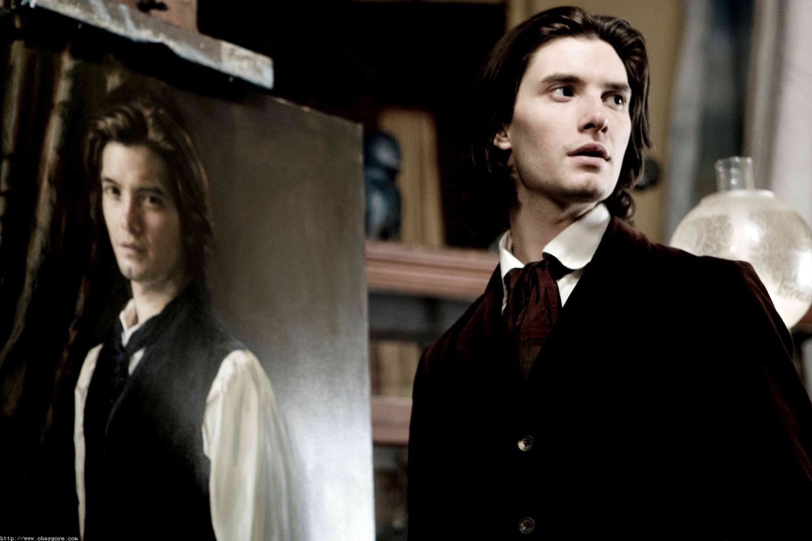 an analysis of the main characters of oscar wildes the portrait of dorian gray and their psyche